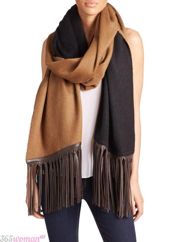 модный шарф 2019 2020: коричнево-черный с длинной бахромой
