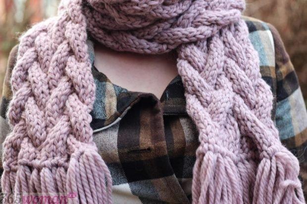 модный шарф 2019 2020: вязаный оверсайз пастельного оттенка