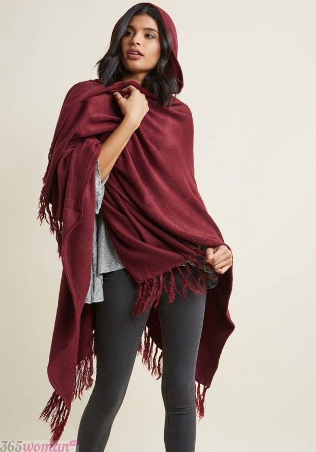 модные шарфы 2019 2020: бордовый палантин
