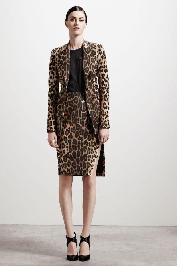 модные принты осень зима 2019 2020: костюм леопардовый