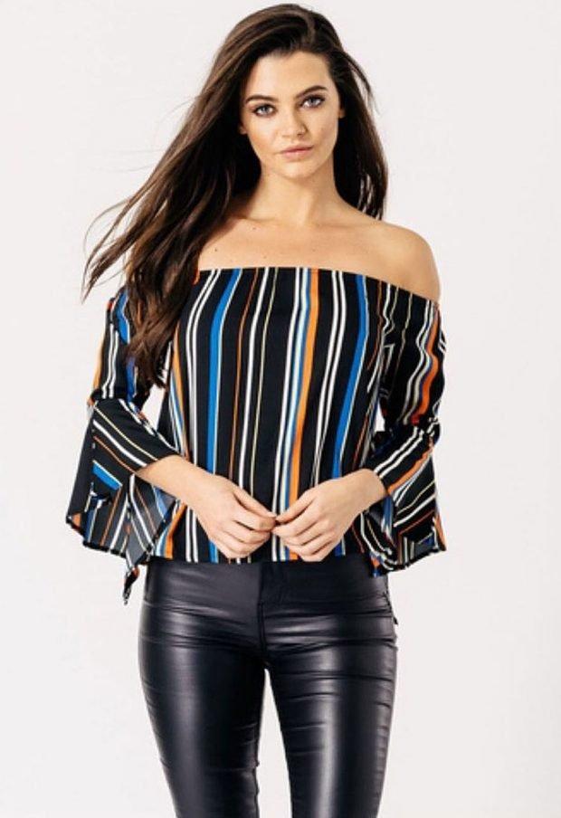 блуза с открытыми плечами в полоску
