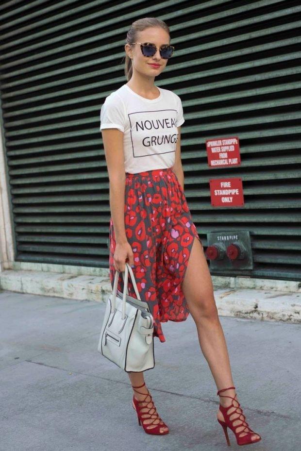 модные принты осень зима 2019 2020: юбка цветочный футболка с надписью
