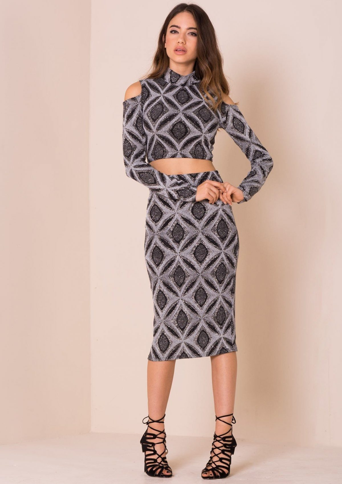 осень зима 2018 2019 платье миди геометрический принт