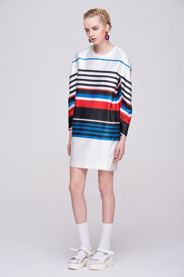 модные принты осени и зимы 2020 2021: платье в полоску