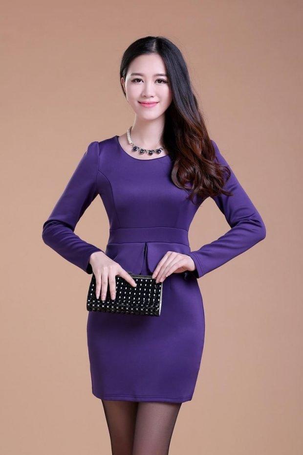 фиолетовое короткое офисное платье 2019 2020 с длинным рукавом