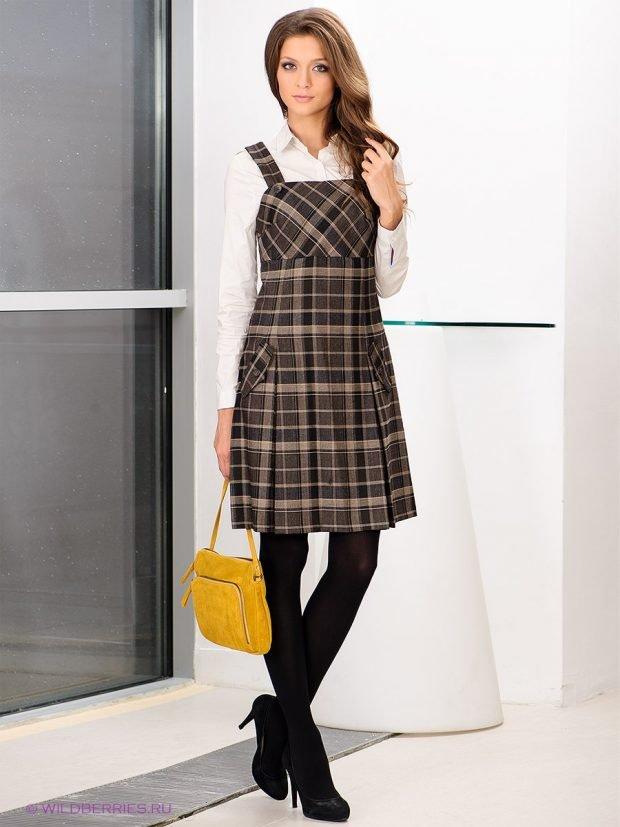 платье-сарафан в клетку с плиссированной юбкой