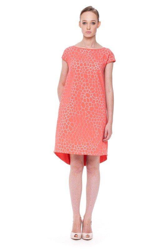 коралловое офисное платье А-силуэта