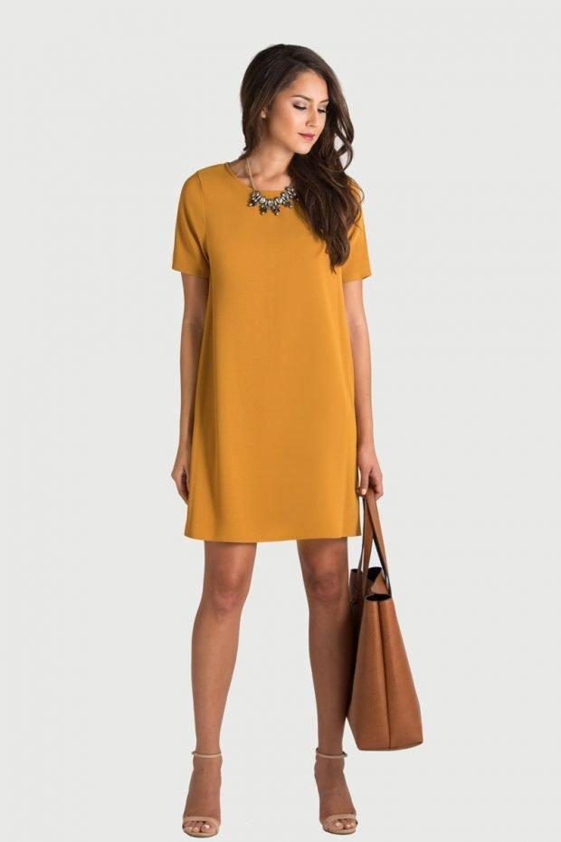 офисное платье 2018 2019 А-силуэта горчичного цвета модное
