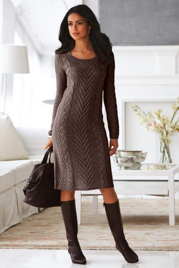 модное вязаное теплое платье для офиса