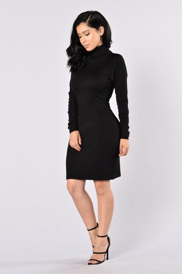 черное теплое платье для офиса с воротником-стойкой