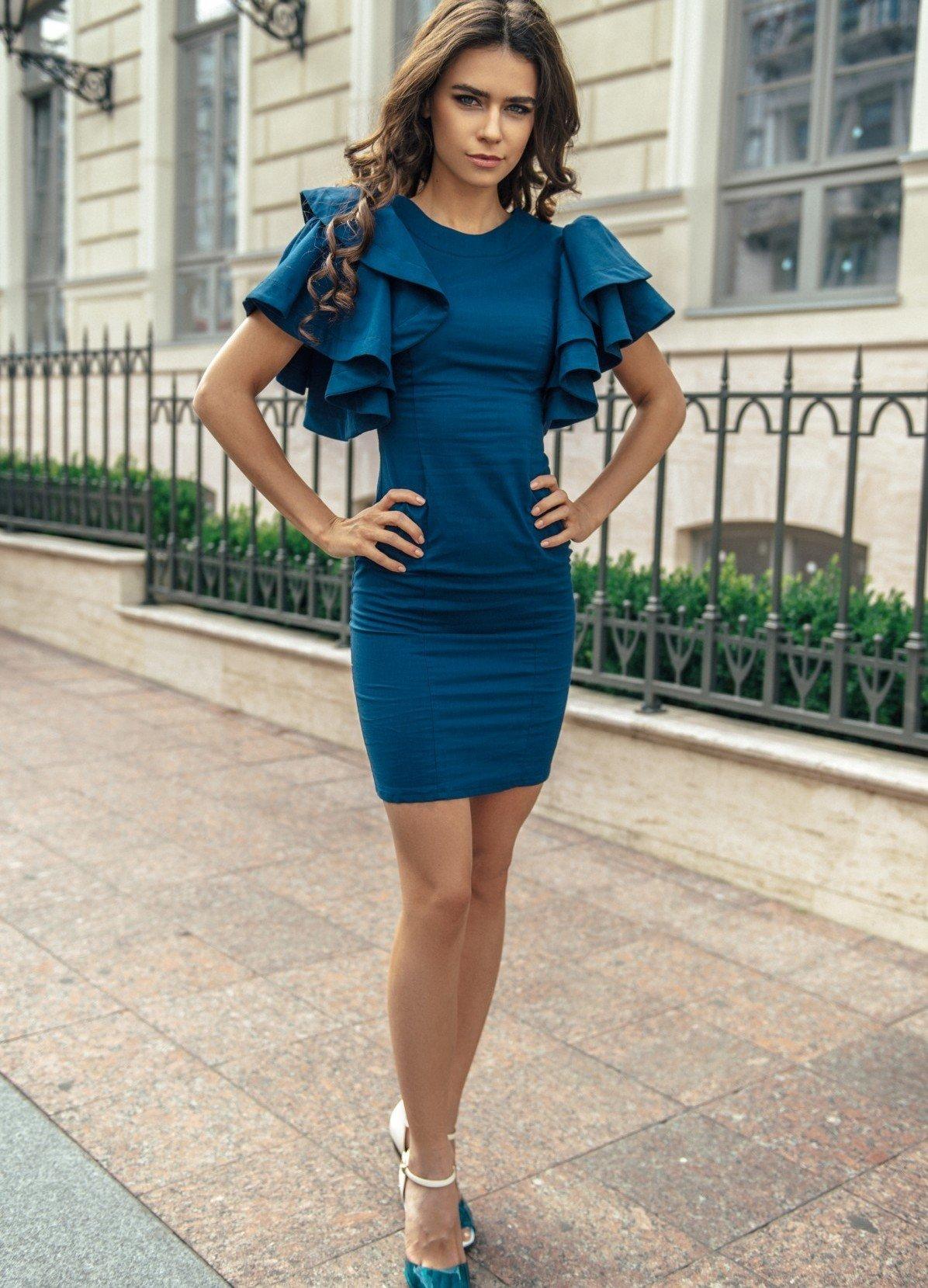 модное синее нарядное платье для офиса 2018 с объемными рукавами
