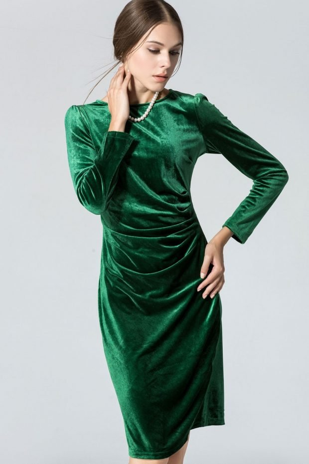 зеленое бархатное нарядное платье для офиса
