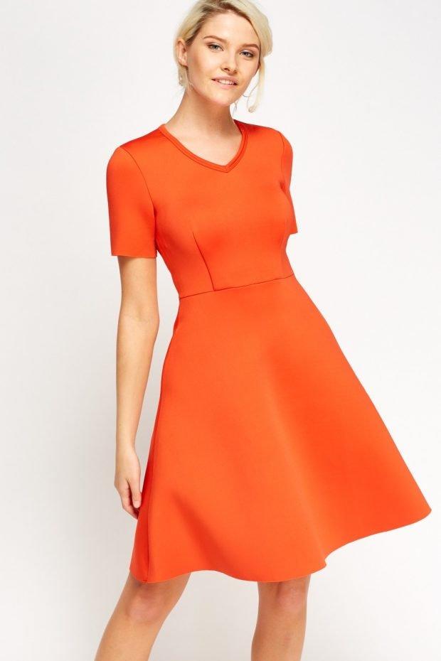 офисное платье 2018 2019 оранжевого цвета
