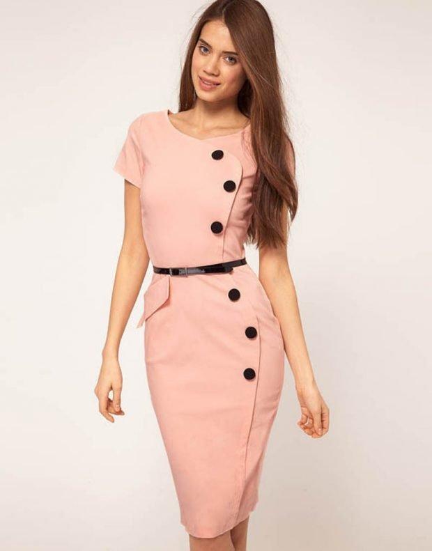 персиковое офисное платье 2018 2019 с пуговицами
