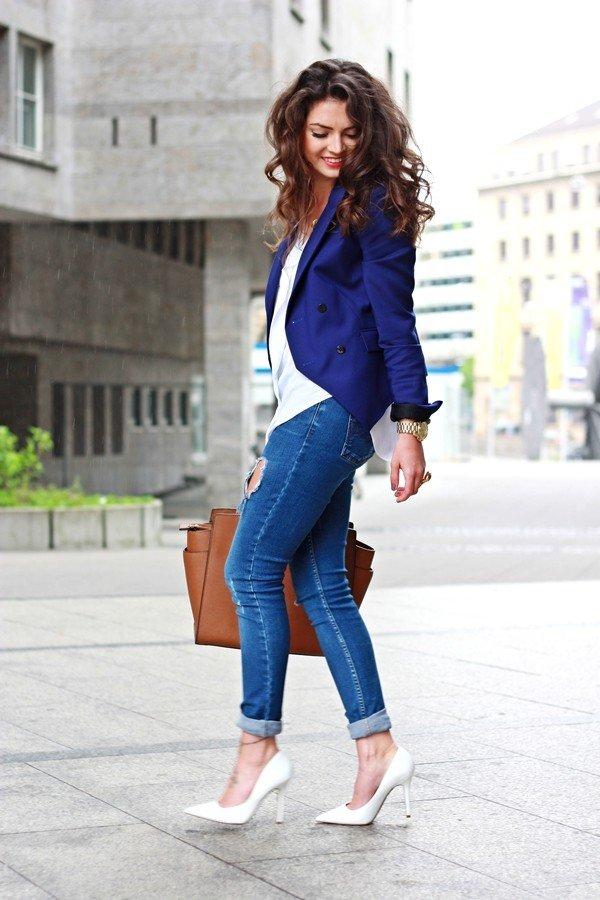 синий пиджак и джинсы с чем носить