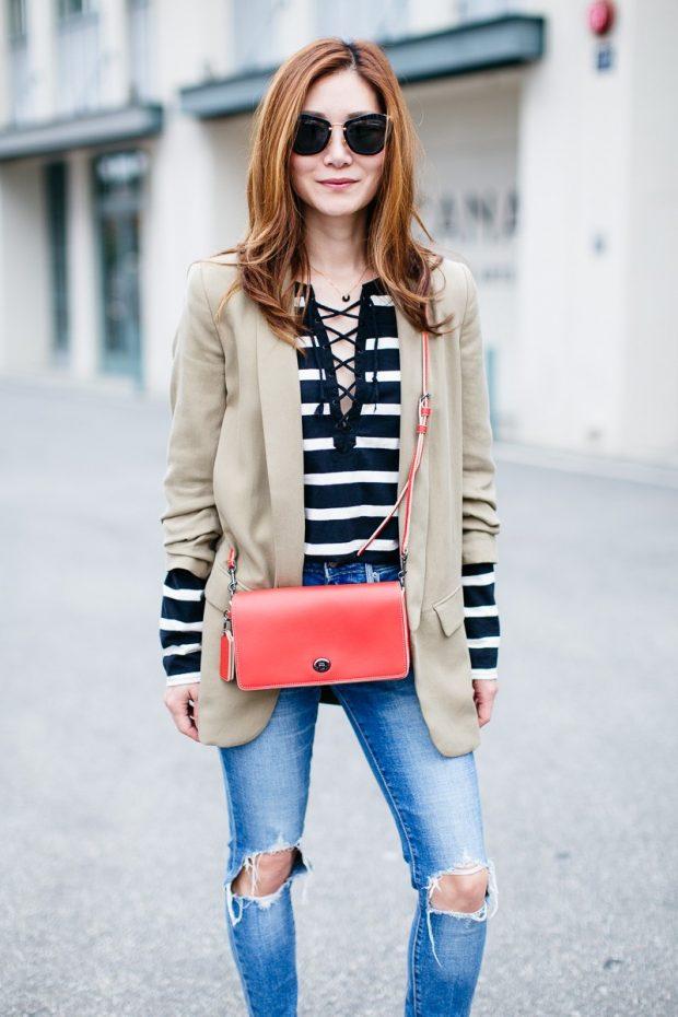 бежевый пиджак и джинсы с чем носить