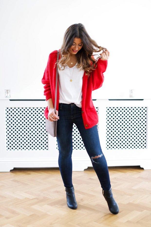 красный кардиган и джинсы с разрезом с чем носить