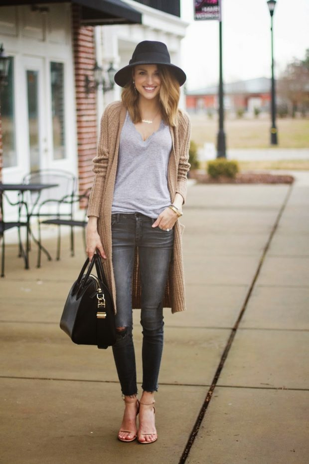 бежевый кардиган и серые джинсы с чем носить