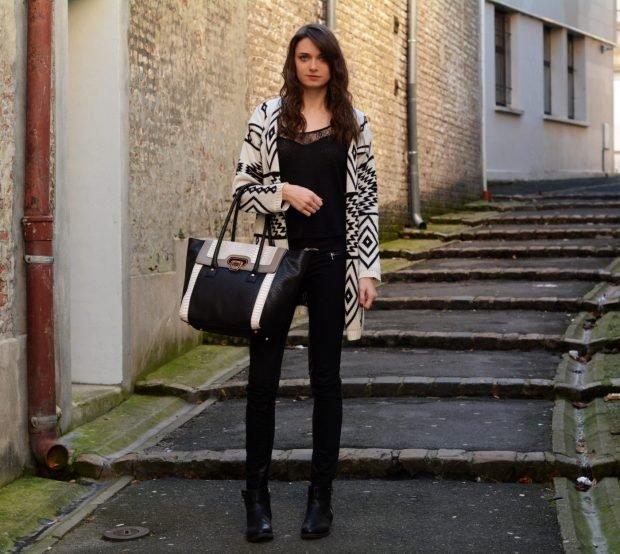 кардиган геометрический принт и темные джинсы с чем носить