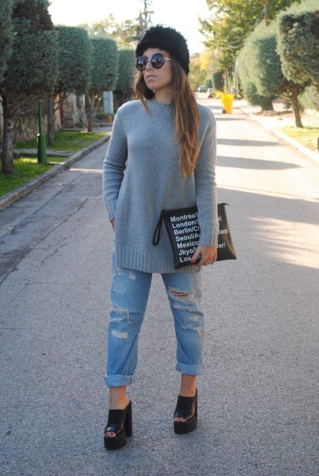 серый свитер и рваные джинсы с чем носить