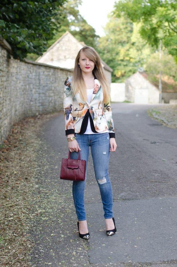 разноцветный пиджак и джинсы с чем носить