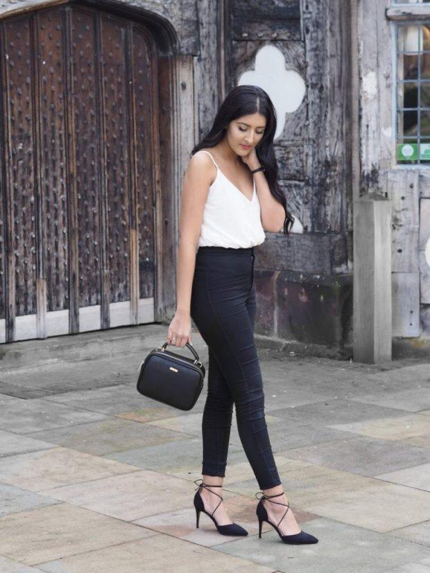 туфли на высоком каблуке и черные джинсы с чем носить