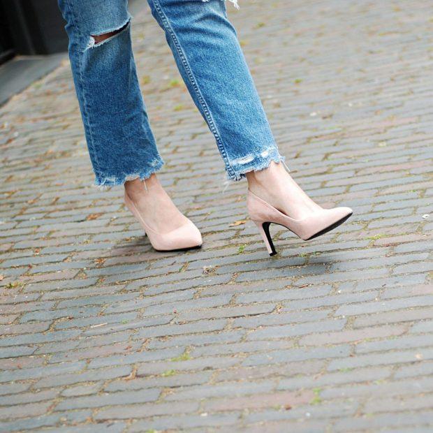 бежевые туфли и джинсы с чем носить