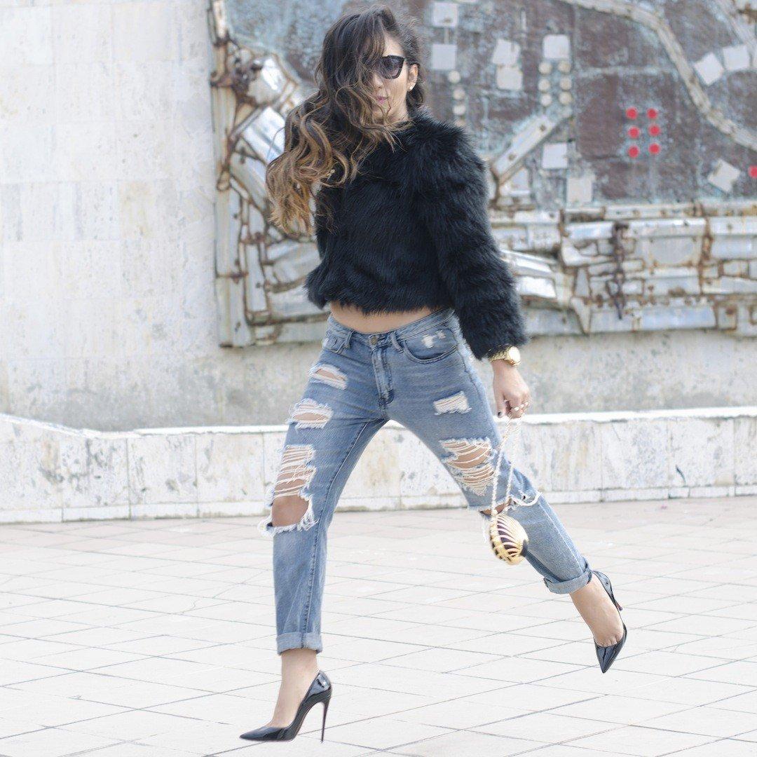 туфли на шпильке и рваные джинсы с чем носить