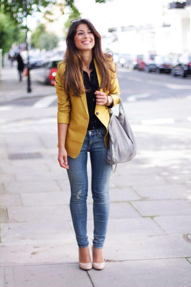 пиджак горчичного цвета и джинсы с чем носить