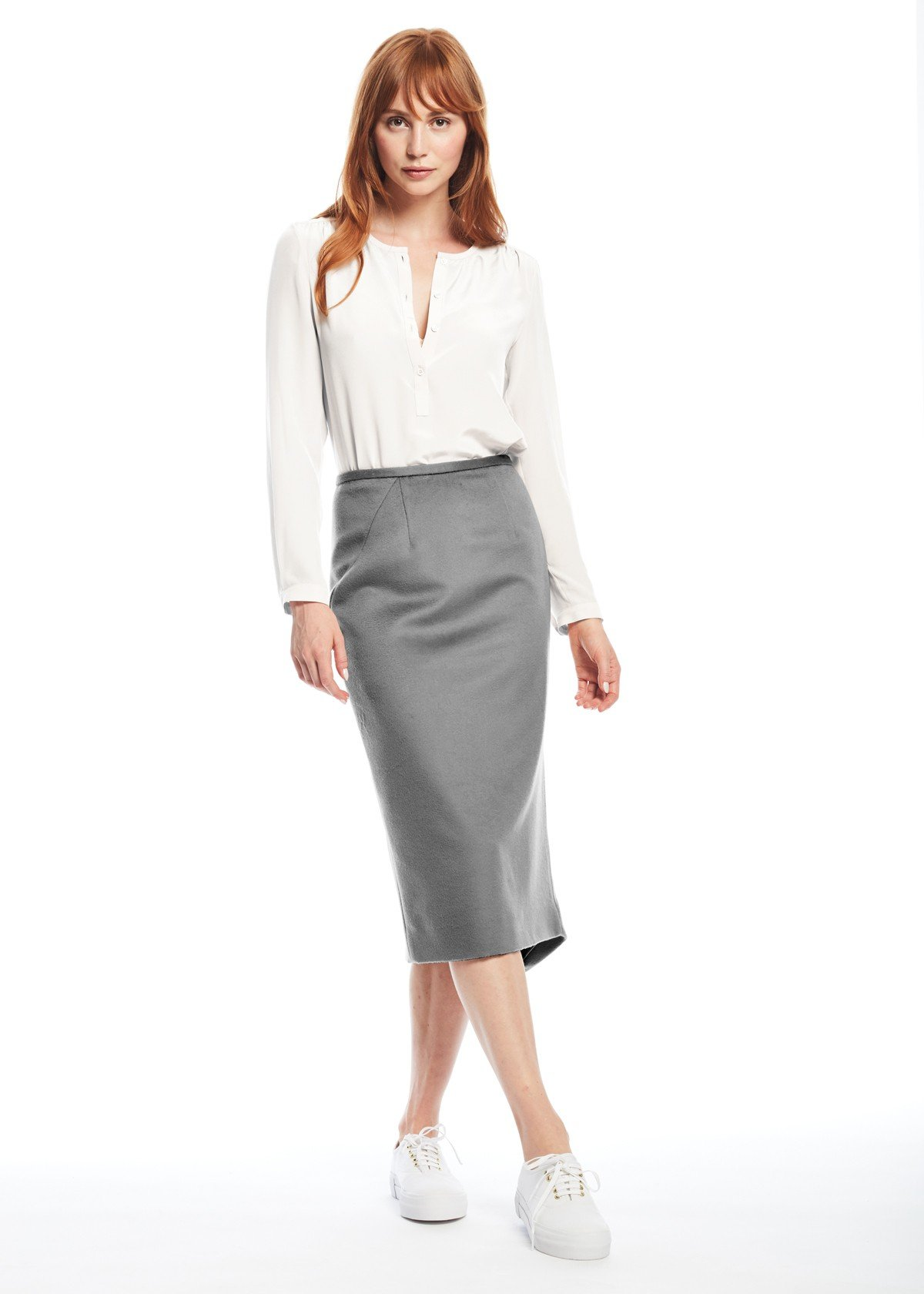 с чем носить серую юбку карандаш и белая блуза