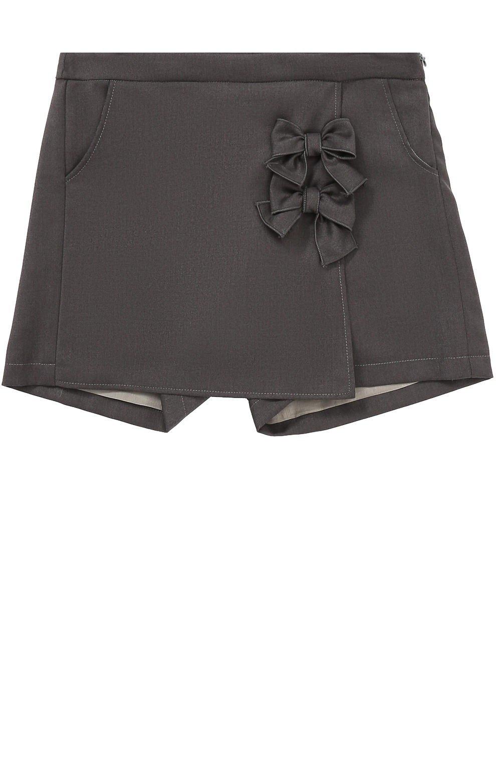 серая юбка-шорты с бантиками с чем носить
