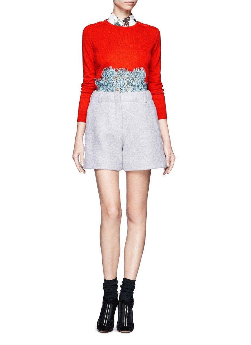 светло-серая юбка-шорты с чем носить