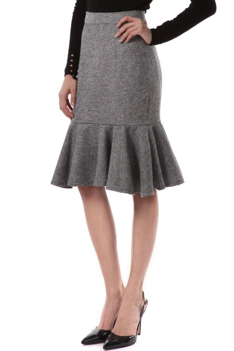 серая шерстяная юбка с рюшей с чем носить