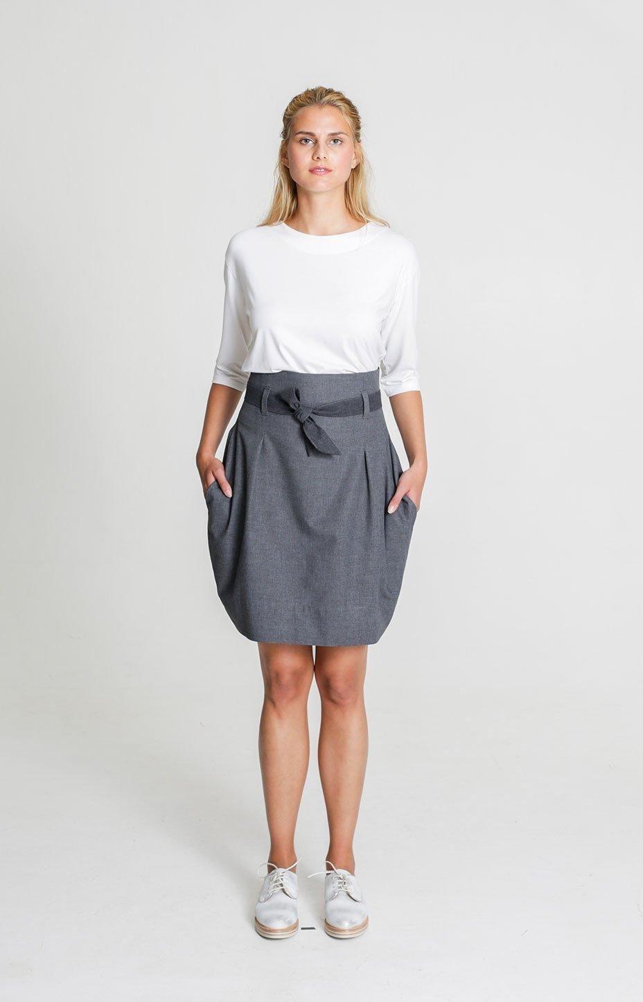 с чем носить серая юбка тюльпан с поясом