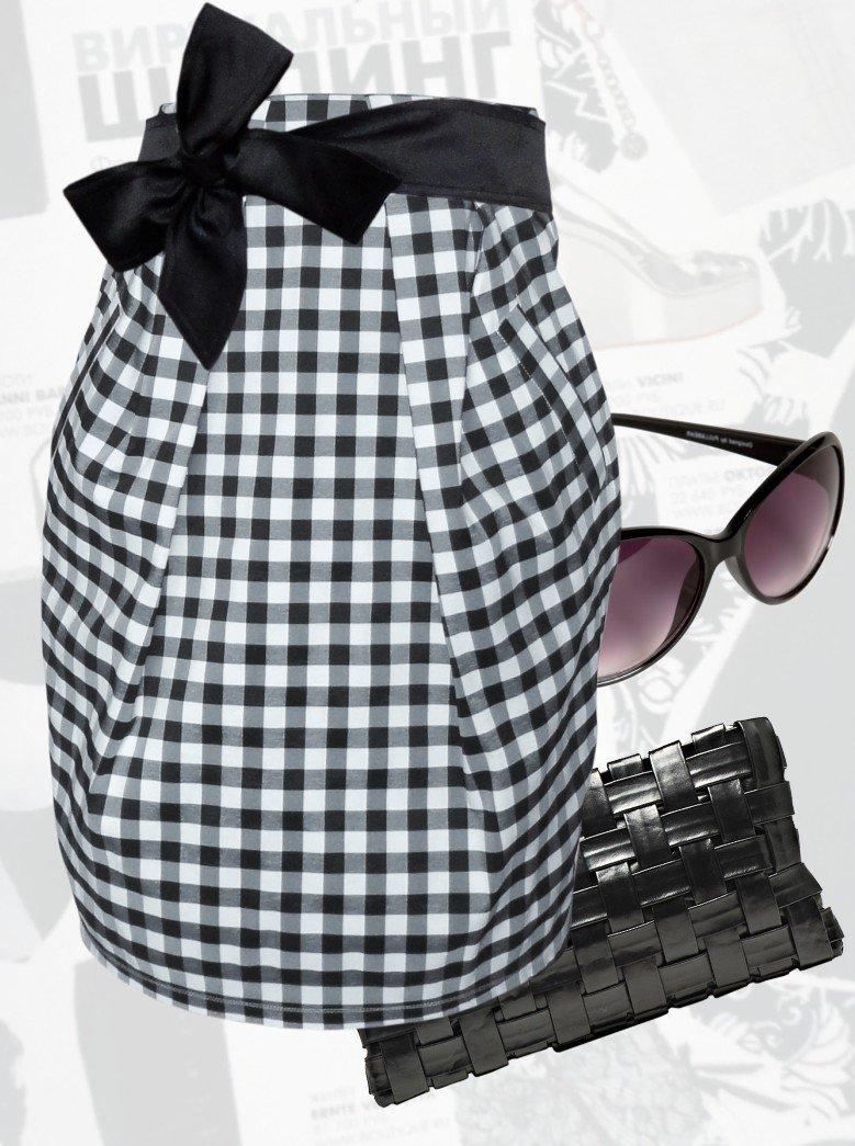 с чем носить серая юбка тюльпан в клетку с черным поясом