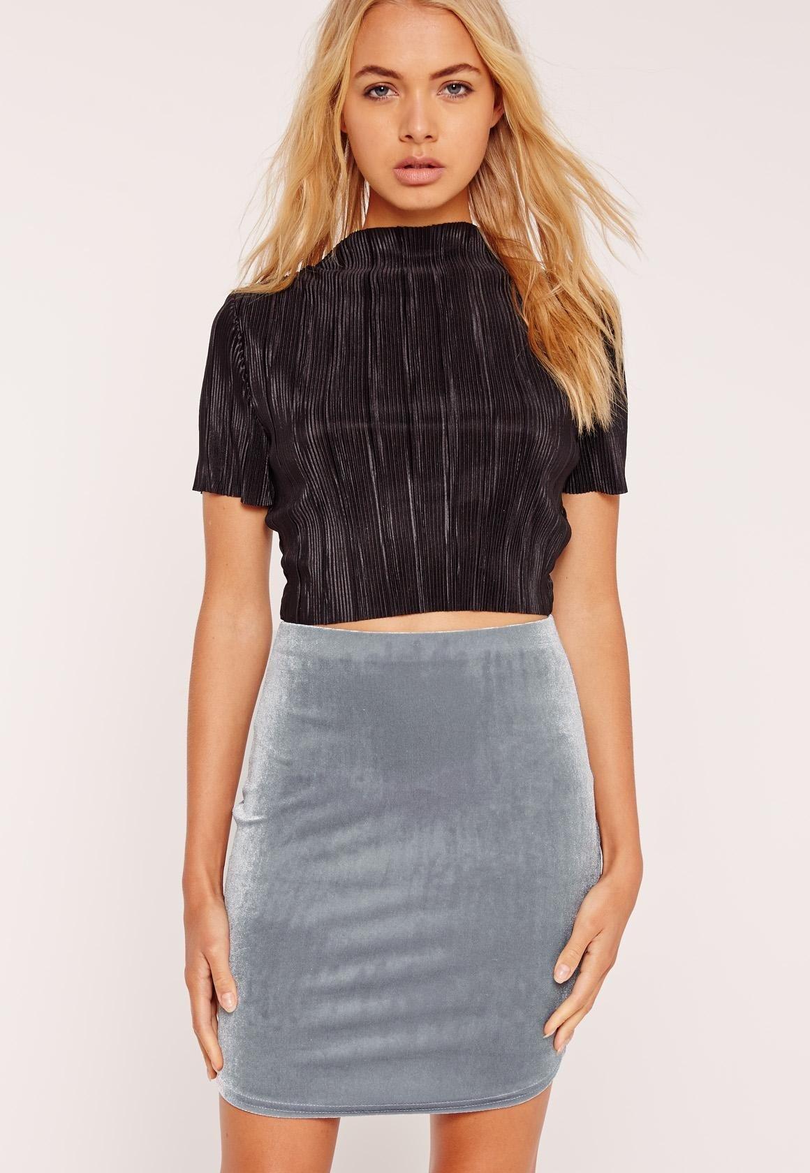 вельветовая серая мини юбка с чем носить