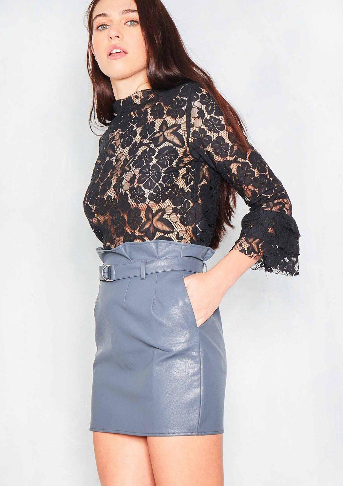 кожаная серая мини юбка с чем носить