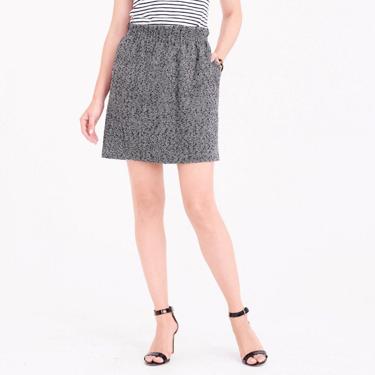 короткая серая классическая юбка с чем носить