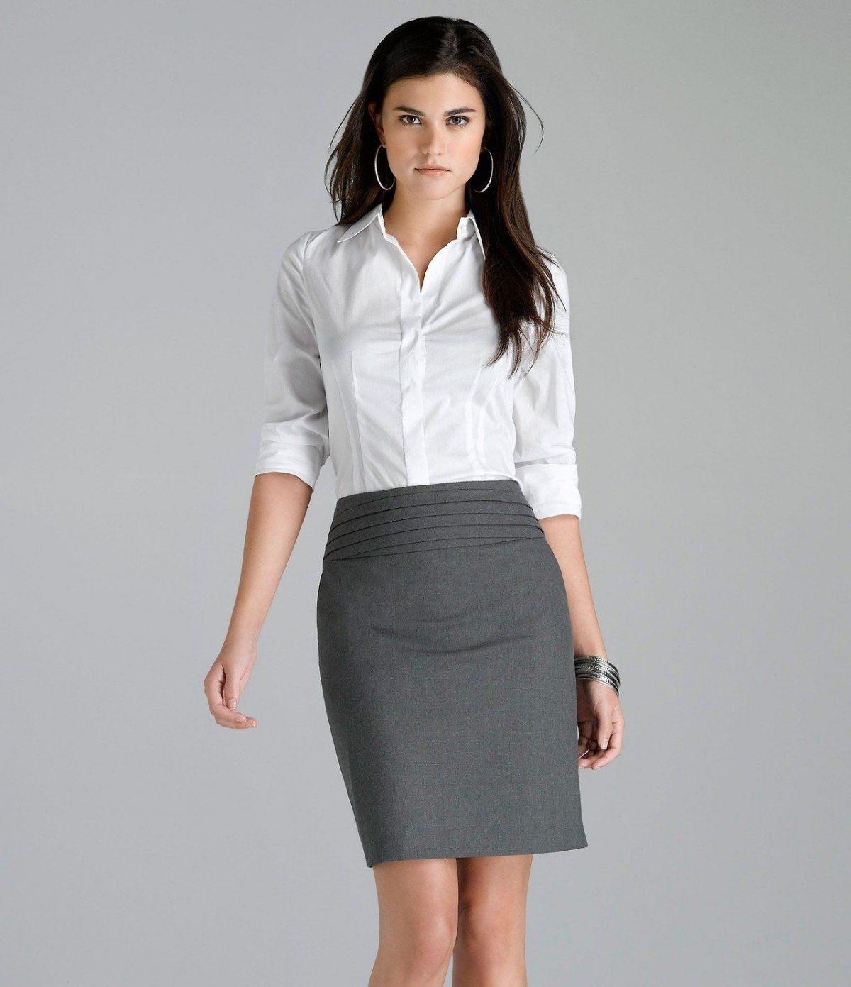 с чем носить серую классическую юбку и белая блуза