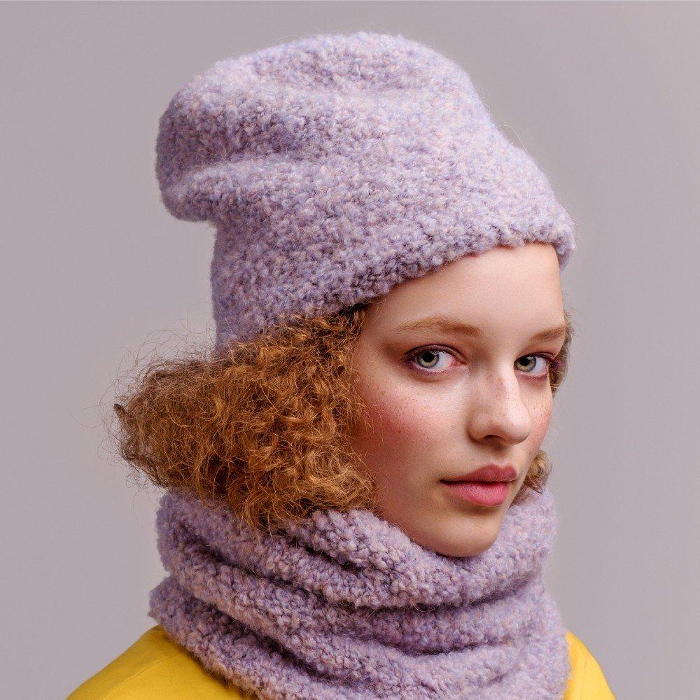 фиолетовая шапка бини и шарф