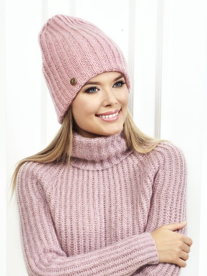 розовая шапка-бини