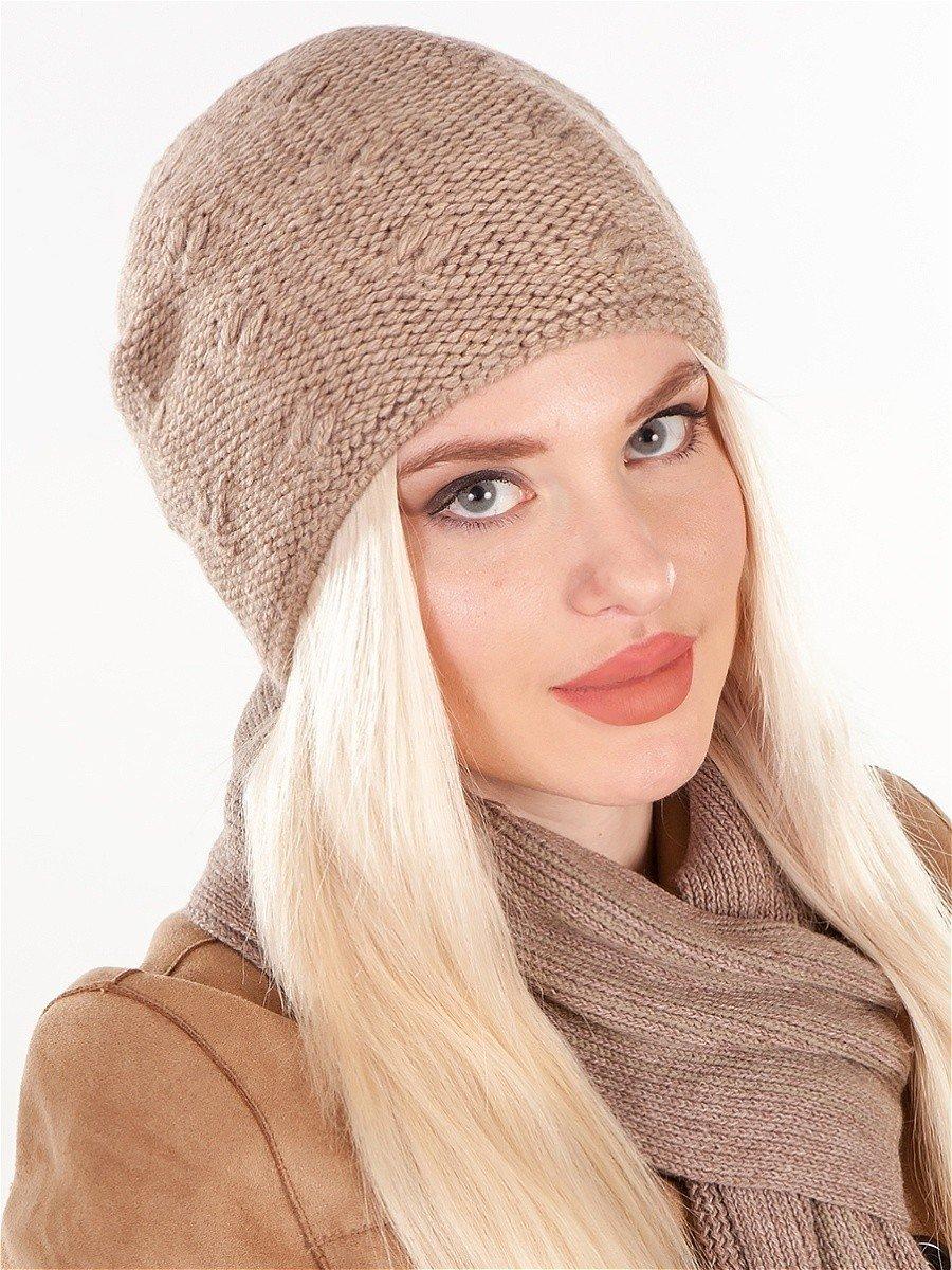 бежевая шапка-бини