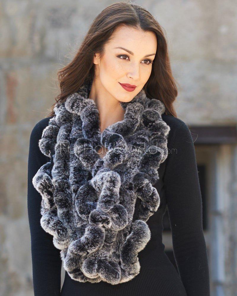 серый объемный меховой шарф