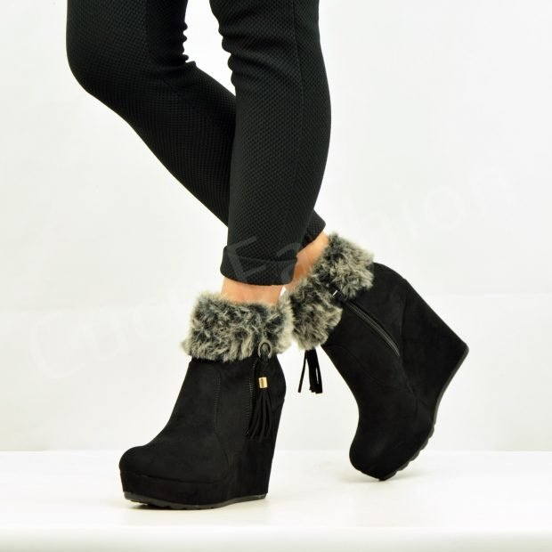 черные ботинки на танкетке с мехом