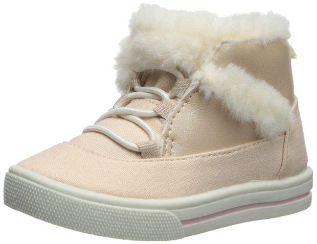 светлые ботинки на шнурках с мехом
