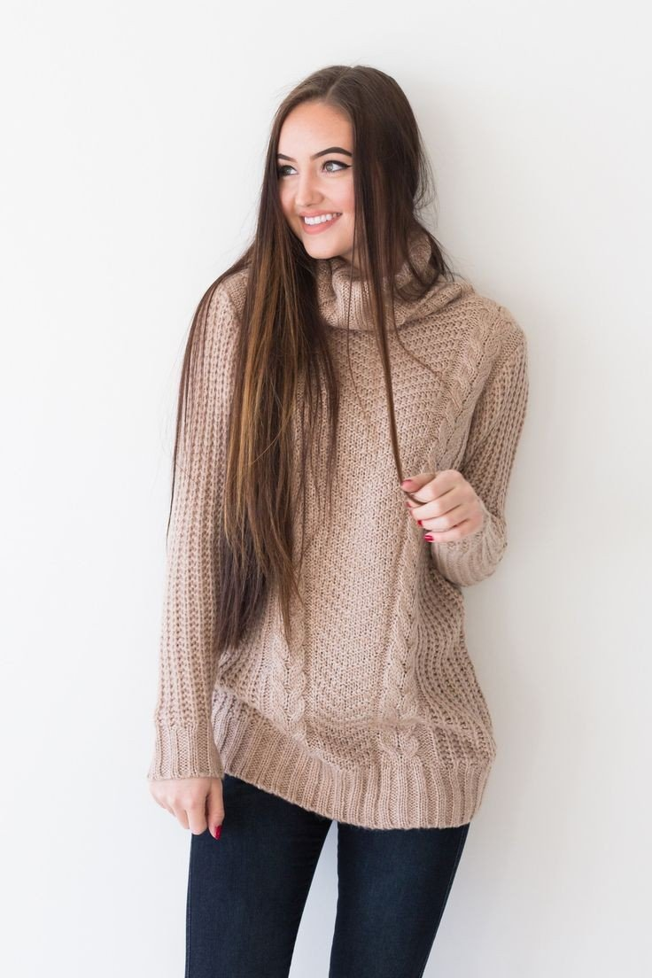 тенденции моды осень зима 2018 2019: бежевый свитер оверсайз