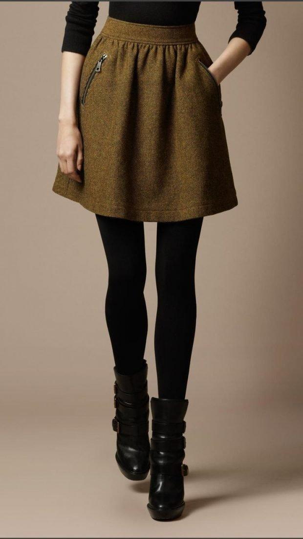 короткая теплая коричневая юбка
