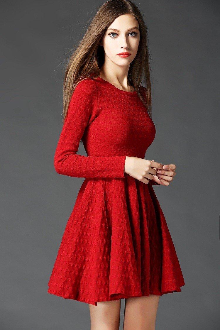 Тренды осень-зима 2018 2019: красное вязаное платье
