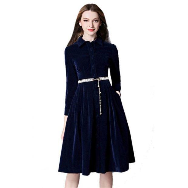 Тренды осень-зима 2019 2020: темно-синее бархатное платье
