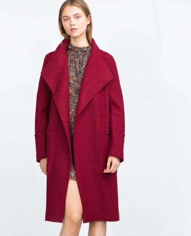 Тренды осень-зима 2019 2020: свободное пальто цвета марсала
